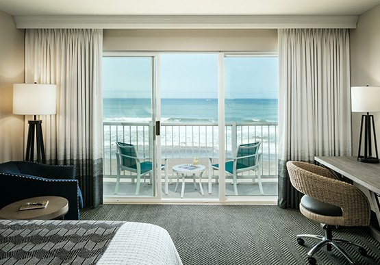 Oceanfront Room in Beachfront Inn Hotel, Brookings